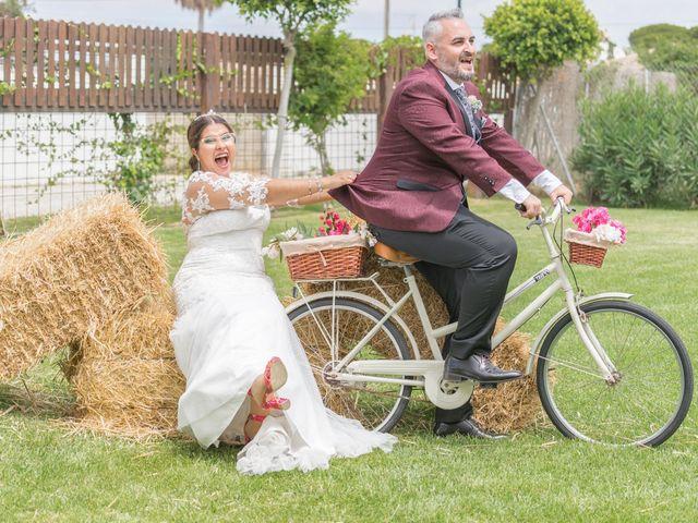 La boda de Israel O. y Laura G. en Chiclana De La Frontera, Cádiz 13