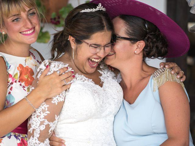 La boda de Israel O. y Laura G. en Chiclana De La Frontera, Cádiz 17