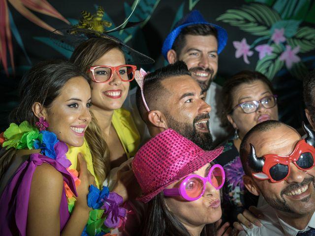 La boda de Israel O. y Laura G. en Chiclana De La Frontera, Cádiz 22