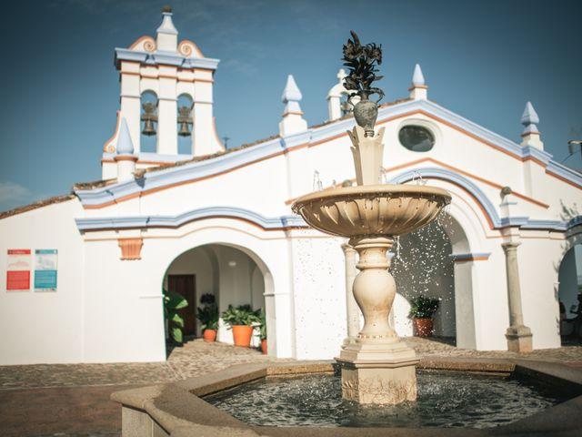 La boda de Miguel y Aroa en Coria, Cáceres 16