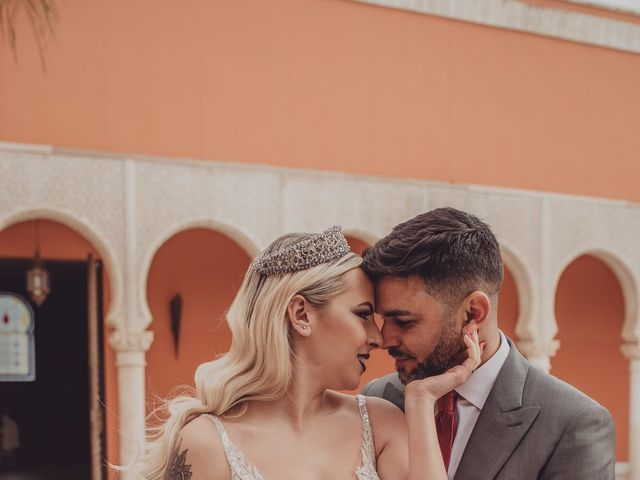 La boda de Javi y Cristina  en Sevilla, Sevilla 3