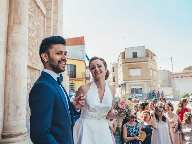 La boda de Mohit y Virginia en Villagarcia Del Llano, Cuenca 15