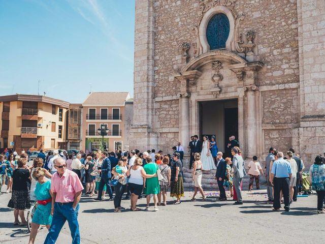 La boda de Mohit y Virginia en Villagarcia Del Llano, Cuenca 16