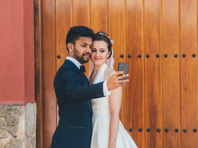 La boda de Mohit y Virginia en Villagarcia Del Llano, Cuenca 24
