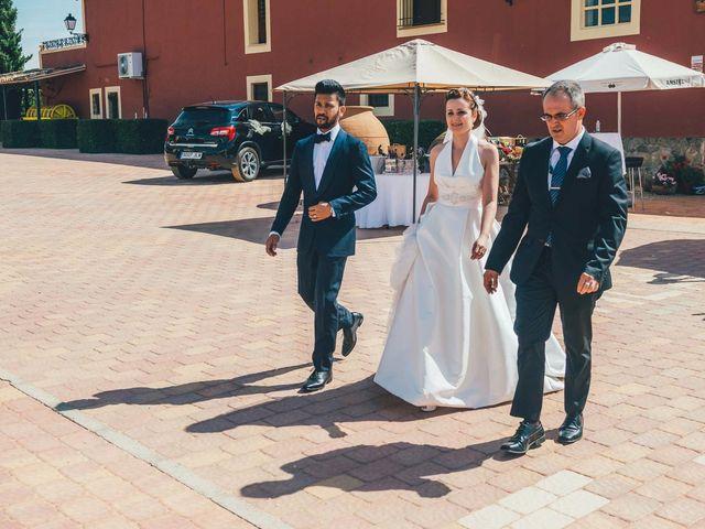 La boda de Mohit y Virginia en Villagarcia Del Llano, Cuenca 25