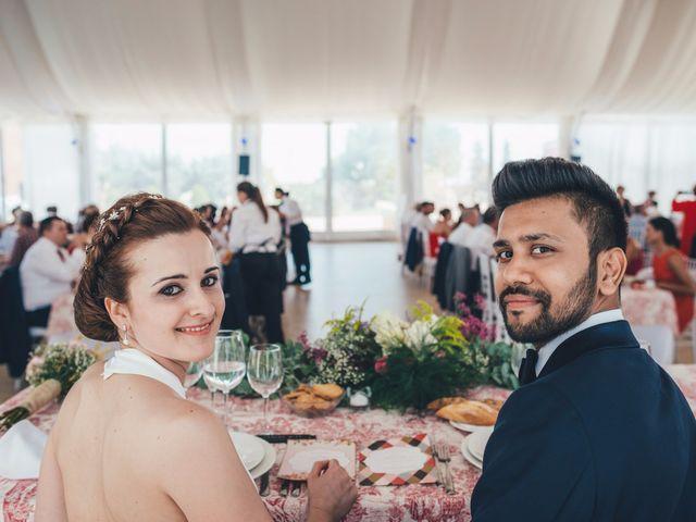 La boda de Mohit y Virginia en Villagarcia Del Llano, Cuenca 33