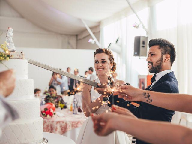 La boda de Mohit y Virginia en Villagarcia Del Llano, Cuenca 49