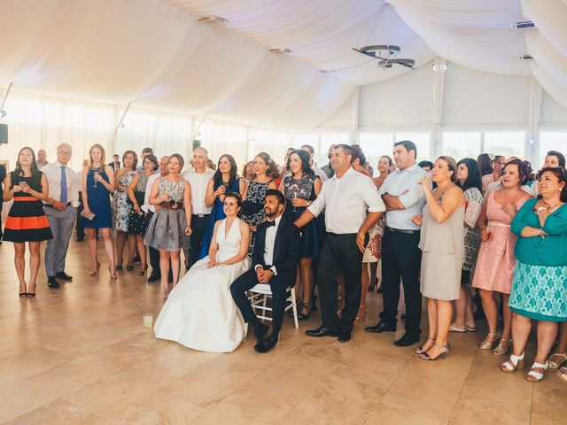 La boda de Mohit y Virginia en Villagarcia Del Llano, Cuenca 51
