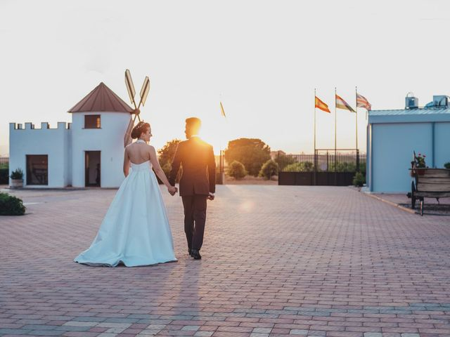 La boda de Mohit y Virginia en Villagarcia Del Llano, Cuenca 54