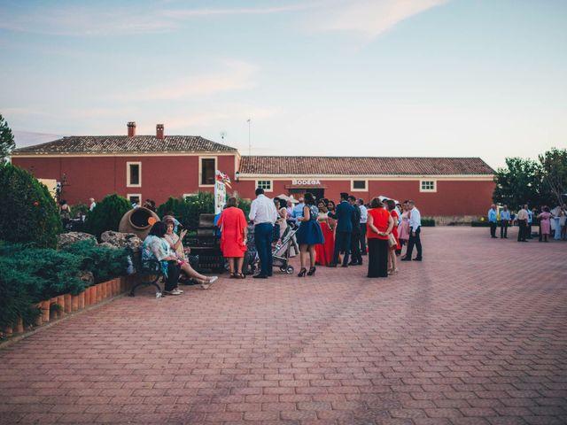 La boda de Mohit y Virginia en Villagarcia Del Llano, Cuenca 62