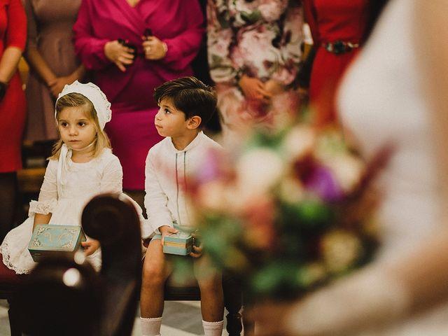 La boda de Alejandro y Alba en La Puebla Del Rio, Sevilla 35