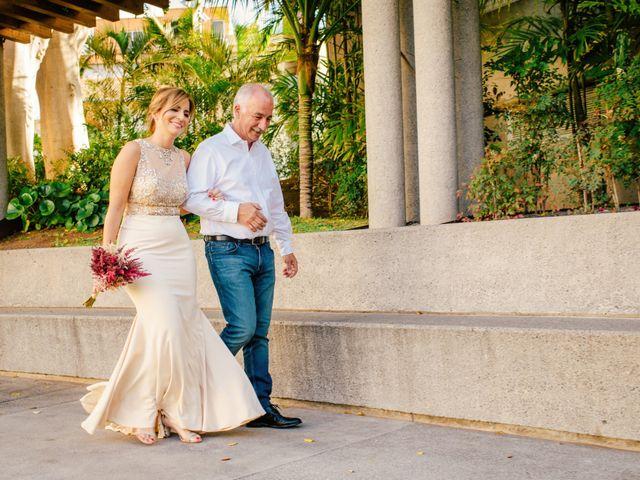 La boda de Victor y Verónica en Santa Cruz De Tenerife, Santa Cruz de Tenerife 38