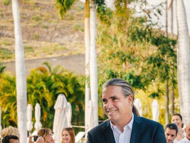 La boda de Victor y Verónica en Santa Cruz De Tenerife, Santa Cruz de Tenerife 39