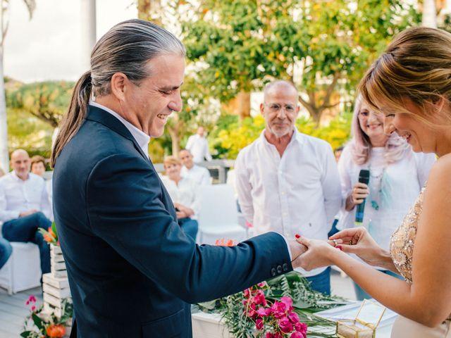 La boda de Victor y Verónica en Santa Cruz De Tenerife, Santa Cruz de Tenerife 47