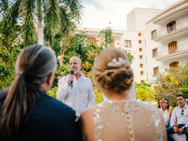 La boda de Victor y Verónica en Santa Cruz De Tenerife, Santa Cruz de Tenerife 52