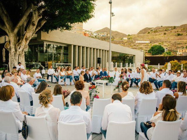 La boda de Victor y Verónica en Santa Cruz De Tenerife, Santa Cruz de Tenerife 54