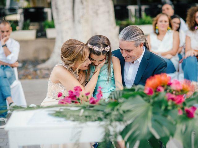 La boda de Victor y Verónica en Santa Cruz De Tenerife, Santa Cruz de Tenerife 57