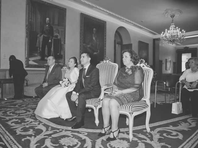 La boda de Álvaro y Beatriz en Gijón, Asturias 8