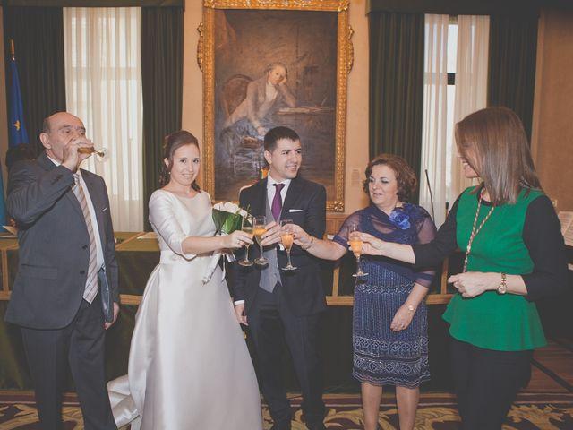 La boda de Álvaro y Beatriz en Gijón, Asturias 11