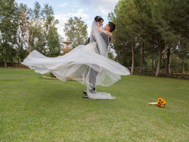 La boda de Carlos y Brillit en Los Santos De La Humosa, Madrid 18