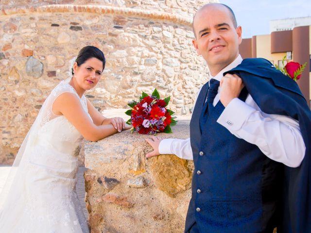 La boda de Chema y Inma en La Curva, Almería 14