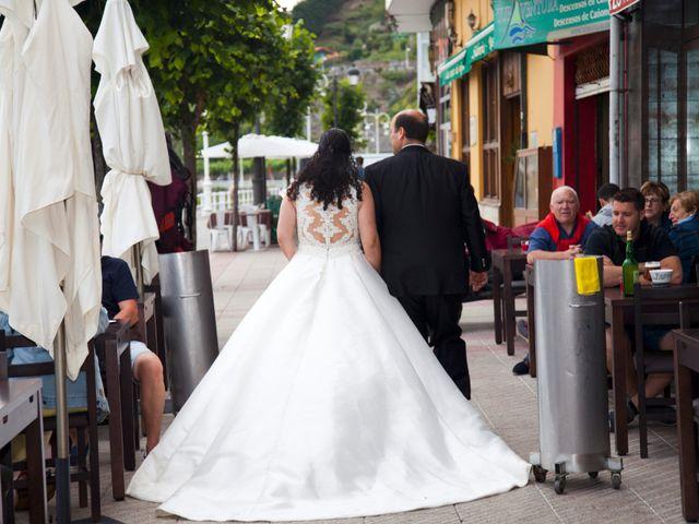 La boda de Iván y Desiré en Noreña, Asturias 30