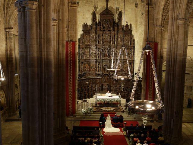La boda de Miguel Ángel y Cristina en Cáceres, Cáceres 19