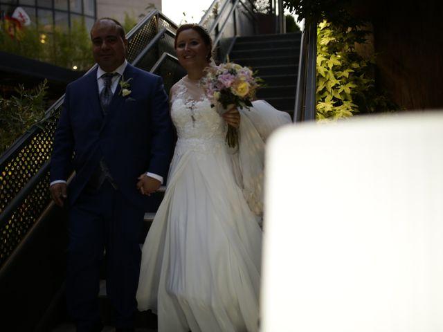 La boda de Miguel Ángel y Cristina en Cáceres, Cáceres 25