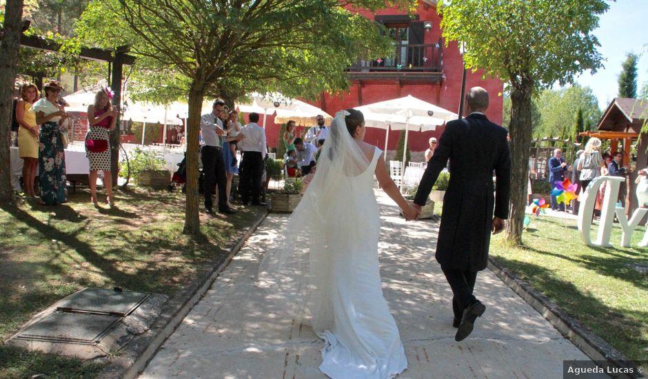 La boda de David y Almudena en Jabaga, Cuenca