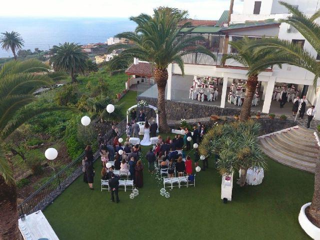 La boda de Fernando y Andrea  en La Victoria De Acentejo, Santa Cruz de Tenerife 5