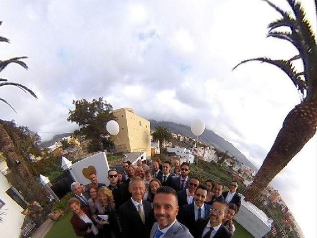 La boda de Fernando y Andrea  en La Victoria De Acentejo, Santa Cruz de Tenerife 9