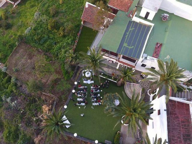 La boda de Fernando y Andrea  en La Victoria De Acentejo, Santa Cruz de Tenerife 10