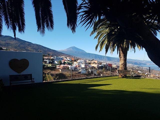 La boda de Fernando y Andrea  en La Victoria De Acentejo, Santa Cruz de Tenerife 28