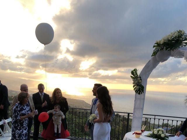 La boda de Fernando y Andrea  en La Victoria De Acentejo, Santa Cruz de Tenerife 32