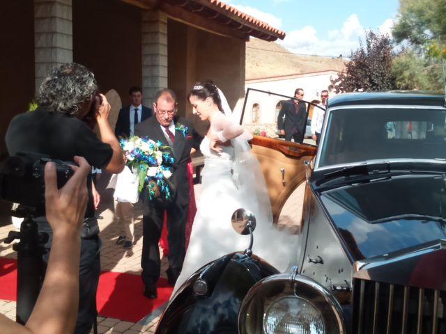 La boda de Rubén y Raquel en Ardoncino, León 5
