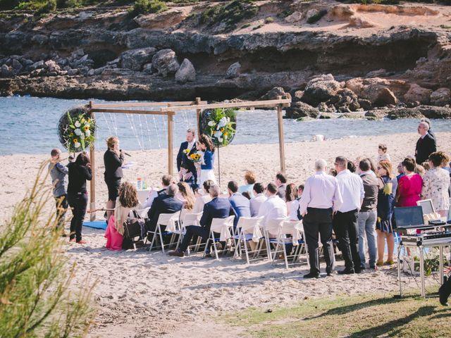 La boda de Geraroid y Laura en L' Atmella De Mar, Tarragona 4