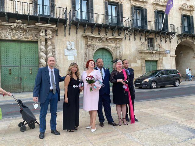 La boda de Valeryia y José Luis en Alacant/alicante, Alicante 6