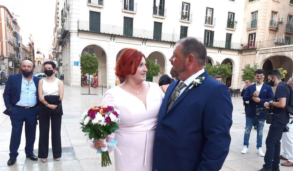 La boda de Valeryia y José Luis en Alacant/alicante, Alicante