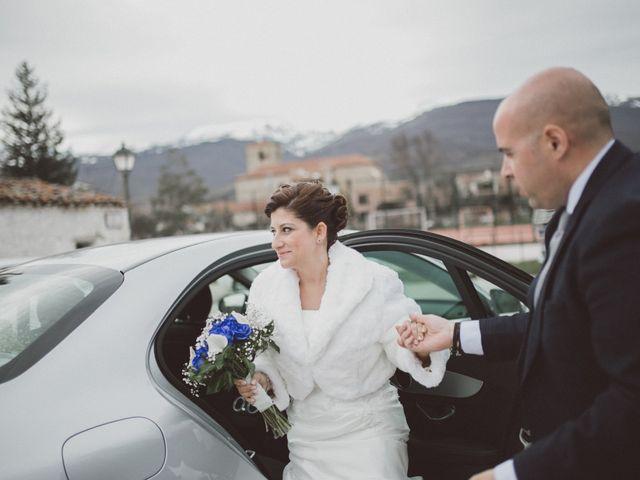 La boda de Jesus y Rebeca en Pinilla Del Valle, Madrid 43