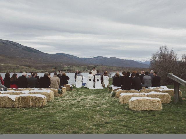 La boda de Jesus y Rebeca en Pinilla Del Valle, Madrid 48