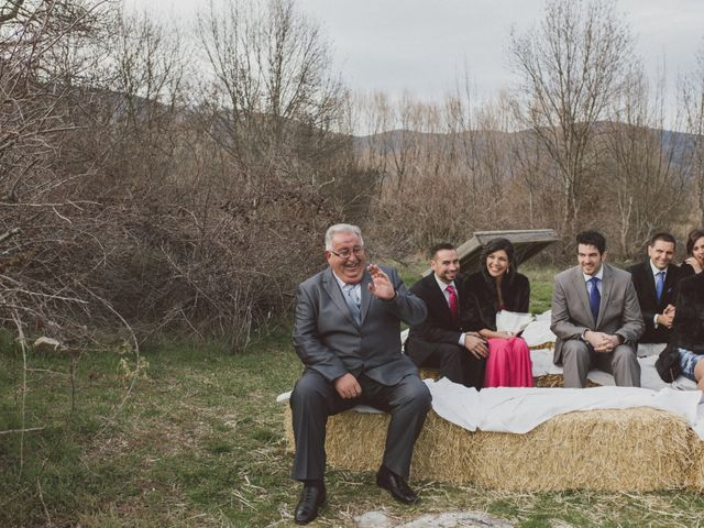 La boda de Jesus y Rebeca en Pinilla Del Valle, Madrid 54