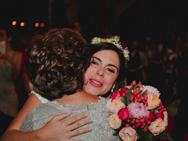 La boda de Jose y Cristina en Santa Cruz De Tenerife, Santa Cruz de Tenerife 41