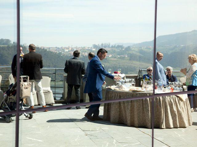 La boda de Efrén y Mónica en Soto Del Barco, Asturias 30