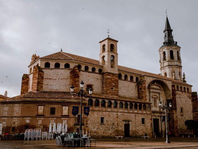 La boda de Javier y Julia en La Solana, Ciudad Real 1