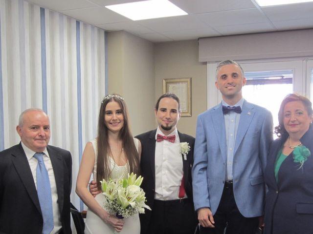 La boda de Víctor y Cristina  en Zaragoza, Zaragoza 6