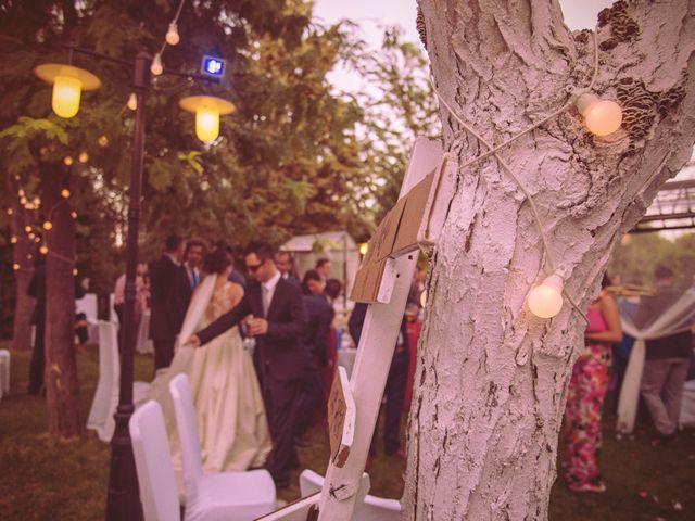 La boda de Raúl y Vicky en Almendralejo, Badajoz 15