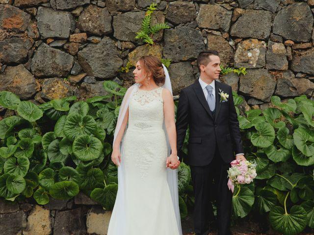 La boda de Rubén y Virginia en Puerto De La Cruz, Santa Cruz de Tenerife 21