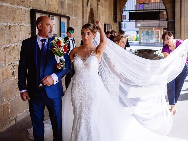 La boda de Denis y Rebeka en Zarautz, Guipúzcoa 27