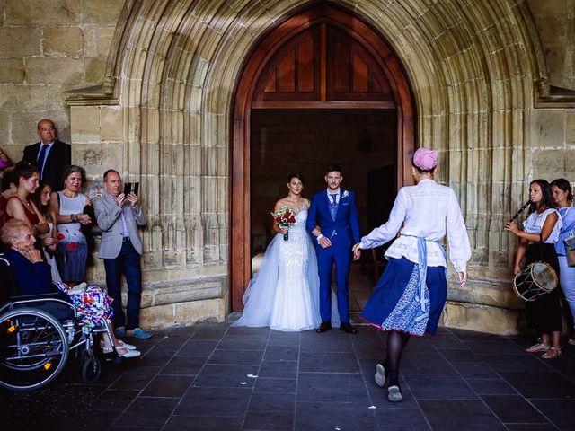 La boda de Denis y Rebeka en Zarautz, Guipúzcoa 32