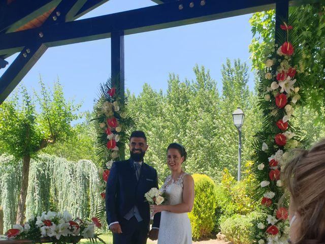 La boda de Dani y Lidia en Mansilla De Las Mulas, León 7